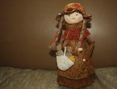Muñecas elaboradas de zapán de plátano.Calceta Manabi Foto Celia Lopez