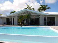 Magnifique+villa+de+standing+:++8+à+12+personnes,+décorée+avec+soins,+face+à+la+mer+avec+une+trés+belle+piscine+++Location de vacances à partir de Grande-Terre @homeaway! #vacation #rental #travel #homeaway