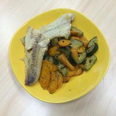 srpna 2014 Aljašská treska s dušenou mrkví a cuketou No Cook Meals, Paleo, Chicken, Meat, Cooking, Food, Cucina, Kochen, Essen