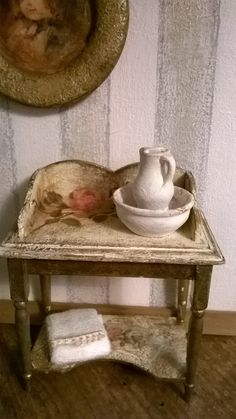 Miniature Dollhouse TABLE BEAUTY di LecreazionidiNadia su Etsy