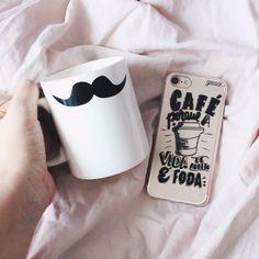 ☕️ Aquele combustível importante para todos os dias! {case: vida de adulto} 😂 [FRETE GRÁTIS A PARTIR DE DUAS GOCASES] 📲✨ #gocasebr #instagood #iphonecase #coffee #jadysalvatico #life #voudegocase