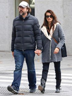 Star Tracks: Friday, November 28, 2014 | WALK THIS WAY | Mi amor! Javier Bardem and Penélope Cruz hold hands as they stroll through Madrid – sans kids – on Thursday.