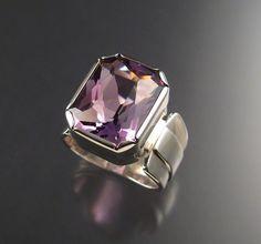 i want a purple engagement ringgggg!