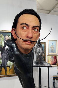 Kazuhiro Tsuji giant Salvador Dali sculpture at Scope Gallery in Miami Beach Art Basel Diego Rivera, Cultura Pop, Salvador Dali Art, Sculpture Head, Beauty Salon Decor, Art Basel Miami, Foto Art, Japanese Artists, Male Face