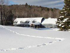 Killington (VT) Trailside Inn United States, North America The 3-star Trailside Inn offers comfort and convenience whether you're on business or holiday in Killington (VT). Both business travelers and tourists can enjoy the hotel's facilities and services. Facilities like free Wi-Fi in all rooms, facilities for disabled guests, family room, smoking area, shared lounge/TV area are readily available for you to enjoy. Each guestroom is elegantly furnished and equipped with handy ...