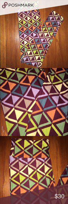 Lularoe Leggings OS Multi-colored lularoe leggings! NWT size OS LuLaRoe Pants Leggings