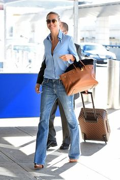 Outfitinspiration women over 40 50 Heidi Klum Business Wear News You Can Use The transition to busin Fashion Mode, Denim Fashion, Fashion Outfits, Style Fashion, Fashion Trends, Mode Outfits, Casual Outfits, Style Outfits, Estilo Jeans