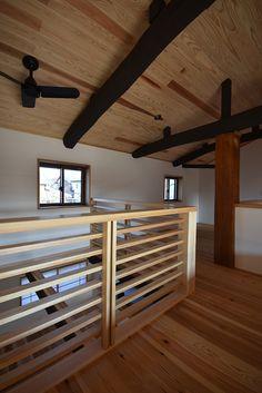 大きな吹き抜けで1階とつながる暮らし Ideal Home, Interior Decorating, Loft, House, Furniture, Home Decor, Stairway, Ideal House, Decoration Home