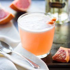 Pink Grapefruit Vieux Mot : gin, st.germain, pink grapefruit juice, meyers lemon juice, simple syrup, ice