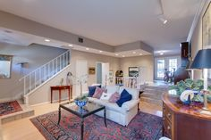 Urban Townhome on Davis Islands, just one block from Islands business district and 2 blocks from waterfront