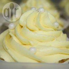 Recipe photo: Lemon buttercream icing