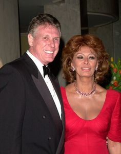 Sophia Loren: Nolan Miller (left) and actress (and DIVA) Sophia Loren, wearing a Nolan Miller red gown at the 2000 Costume Designers Guild Awards.
