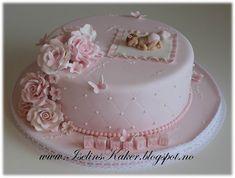 Bilderesultat for dåpskake Fondant Flower Cake, Fondant Baby, Cupcake Cakes, Fondant Rose, 3d Cakes, Tortas Baby Shower Niña, Torta Baby Shower, Birthday Cake Decorating, Cake Decorating Tips