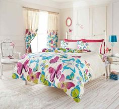 Girls of all ages will love this stylish and colourful Fashion Butterfly single duvet cover set. The duvet cover and pillowcase feature a collection of pretty pink, blue and green butterflies set against a white background. King Size Duvet Covers, Full Duvet Cover, King Bedding Sets, Duvet Bedding, Pink Bedding, Luxury Bedding Sets, Duvet Sets, Bed Covers, Duvet Cover Sets