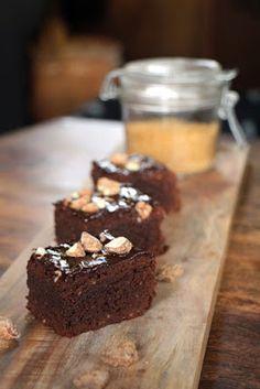 Zimt Brownies mit gebrannten Mandeln - Rezept als Veggie oder Vegan Variante!