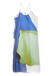 <p>The Jackie Slip Dress swishes down the body with its soft and fluid silky material. A colourful photo print gives an artsy look to this minimalistic dress with a round neck and adjustable spaghetti straps gathered on the back. Limited edition SS17.<br /><br />- Size Small measures100 cm in chest circumferenceand93 cm in back length.</p>