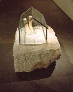 Louise Bourgeois, J'Y SUIS, J'Y RESTE, 1990 Pink marble, glass & metal