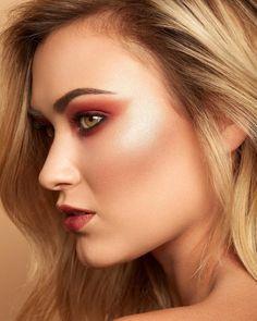 Model: @taybrooke01 H&MUA: @ingakrasileviciute    #beauty #beautyphotography #savannahmakeupartist #savannahmodel #atlantamodel… Beauty Photography, Savannah Chat, Atlanta, Model, Hair Makeup, Studio, Instagram, Fashion, Moda