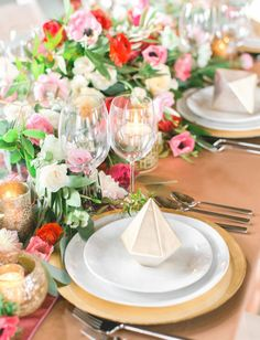 Fun idea for your tablescape: a faux gem to decorate the plate!