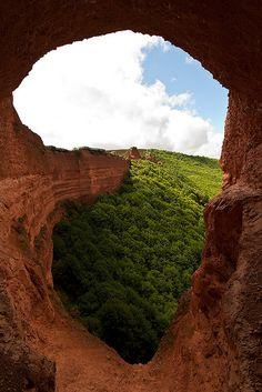 Tunneling view, El Bierzo, Spain