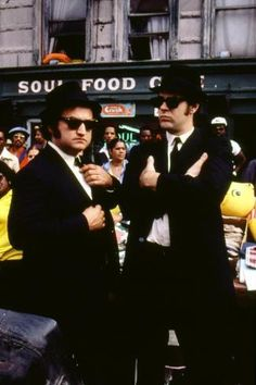 The Blues Brothers Jake (John Belushi) & Elwood (Dan Aykroyd) 1980 Blues Brothers 1980, Blues Brothers Costume, Recital, John Landis, Nostalgia, Forrest Gump, Saturday Night Live, Portraits, Great Movies