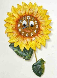 """Uhr """"Sonnenblume"""" - Handbemalter Kunststein mit Präzisionsuhrwerk, Pendel und Batterie für Ihre Küche."""