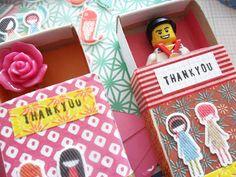 Delen Tweet + 1 E-mailen Dat is leuk, in plaats van een kaartje: een klein doosje met inhoud! Gezien bij Teawagontales.