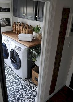 Gorgeous 80 Small Laundry Room Organization Ideas https://wholiving.com/80-small-laundry-room-organization-ideas
