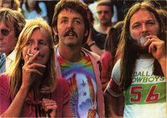 Linda & Paul McCattney and David Gilmour
