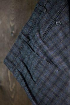 #Musthave - Flannel trouser with double pinces ➤ https://www.angelonardelli.it/prodotto/pantalone-extra-slim-fit-in-flanella-pregiata-quadri-grigio/ #AngeloNardelli #menswear #madeinitaly #trouser