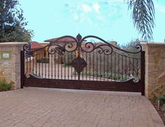 Gate for Driveway Wrought Iron Driveway Gates, Driveway Entrance, Metal Gates, Front Gates, Entrance Gates, Tor Design, Gate Design, Gate Pictures, Custom Gates