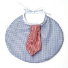 Bavoir chic cravate , fait main en France, double éponge www.histoiredecadeau.com