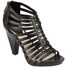 14cf953926f4 120 Best Women s Shoes images