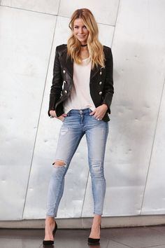 Jennifer Hawkins Jeans March 2017