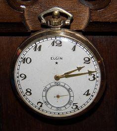 Vintage Goldtone Elgin Pocket Watch.
