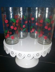 """Vintage Anchor Hocking cherry glass Tumblers 18 oz 6"""". Super cute set of 4 tall glasses. Print looks great and they are free from any scratches or chips. 