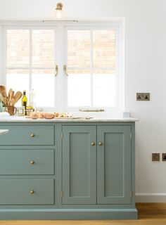 That cabinet color—swoon!