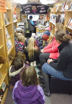 PAULDING COUNTY, OHIO — National Bookmobile Day celebrates our nation's bookmobiles and the dedicated library professionals who provide this valuable and essential service to their communitie… Library Week, Library Room, Mobile Library, Carnegie Library, Librarian Style, Vintage Library, Find Picture, Chameleon, Bibliophile