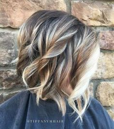 Wavy Bronde Bob Hairstyle with Blonde Balayage Highlights