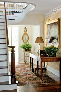 Establish a Foyer Mood - Foolproof Formulas for Home Decorating - Southernliving. Phoebe Howard shares her formula for establishing the right mood for your foyer. Learn How To Decorate the Foyer Crown molding. Southern Homes, Southern Style, Southern Farmhouse, Farmhouse Decor, Modern Farmhouse, Fresh Farmhouse, Southern Girls, Country Style, Farmhouse Style