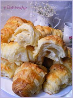 Croatian Recipes, Hungarian Recipes, Homemade Dinner Rolls, Spanakopita, Croissant, Muffin, Food And Drink, Dishes, Baking