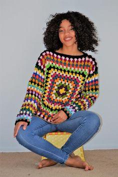 US Women's size Medium - Large Granny square Pullover/ Large-XL Multicolored Gra. : US Women's size Medium – Large Granny square Pullover/ Large-XL Multicolored Granny Square Sweaer Moda Crochet, Pull Crochet, Crochet Granny, Crochet Yarn, Crochet Stitches, Knit Crochet, Crochet Patterns, Crochet Bolero, Granny Square Sweater