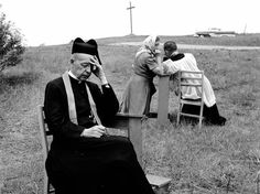 Berni Schoenfield :: Jesuit priests hear confessions from catholic pilgrims at the Martyr's Shrine, near Midland, Canada, 1955 Catholic Priest, Catholic Art, Roman Catholic, Catholic Beliefs, Christianity, Frederick Douglass, Ancient Rome, Prayer Warrior, Old Pictures