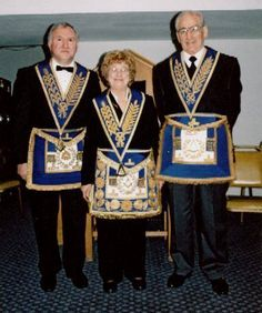 H.P Blavatsky,Alice Bailey,Annie Besant were not just Theosophists they also were Freemasons The International Order of Mixed Freemasonry Le Droit Humain came about in france in late 1800s (1894)by, Deraismes, Martin and several other Masons, not to be confused with the Order of the eastern star this was set up for auxiliary matters came about in 1850 by lawyer Robert Morris but some trace them back to 1703 14 years before the first Grand Lodge in London (draw your own conclusion )