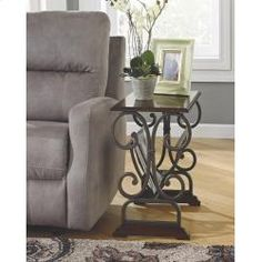 T017329 In By Ashley Furniture In Longview, TX   Chair Side End Table