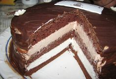 "Lahodná torta ""Praha"" s jednoduchou prípravou! Latte Macchiato, Chocolate Sponge Cake, Sponge Cake Recipes, Sweet And Salty, Cakes And More, Sweet Recipes, Sweets, Baking, Ethnic Recipes"