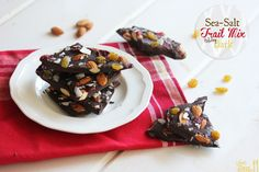 Sea-Salt Trail Mix Bark + Holiday Gift Ideas from Lexi's Clean Kitchen