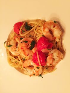 Spaghetti aglio olio mit Scampis und Cocktailtomaten