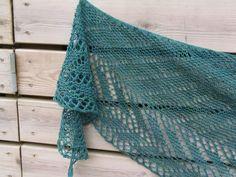 Lankaterapiaa: Pitsiä tuliaislangasta - Railings shawl by Janina Kallio