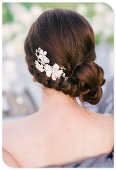 Wedding hairs with flowers